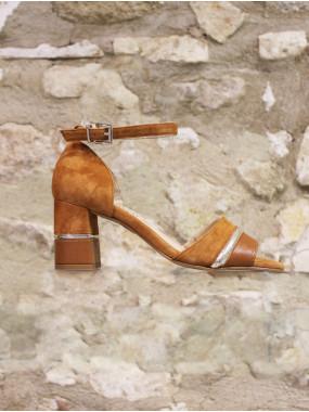 Sandale cognac à liseré doré