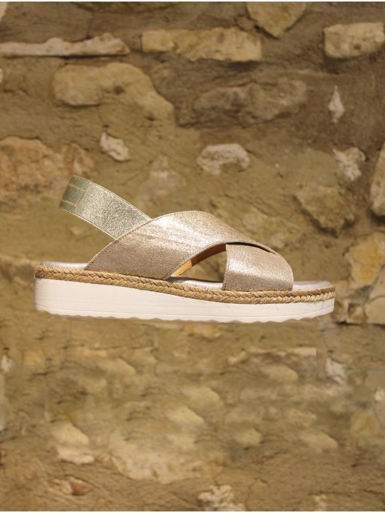 Sandale dorée sur semelle gomme ultra confort