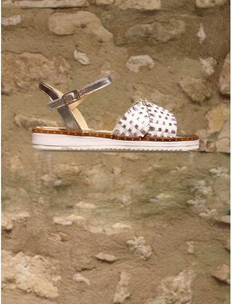 Sandales en cuir tressé doré et blanc