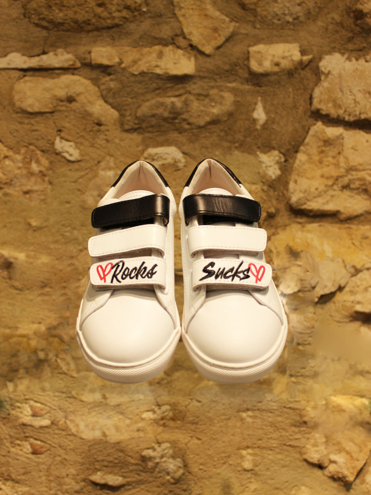 Sneakers à scratch « rocks » and « sucks »