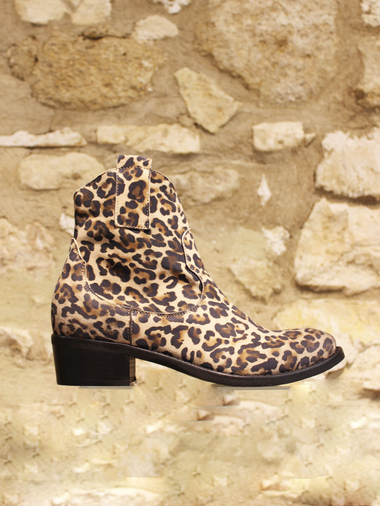 Boots leopard