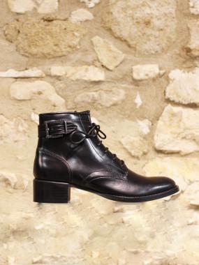 Boots US en cuir noir lisse