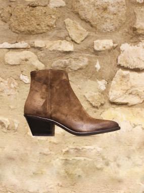Boots en croûte de cuir gratté beige