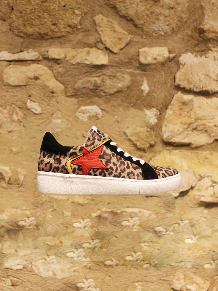Basket leopard etoile rouge