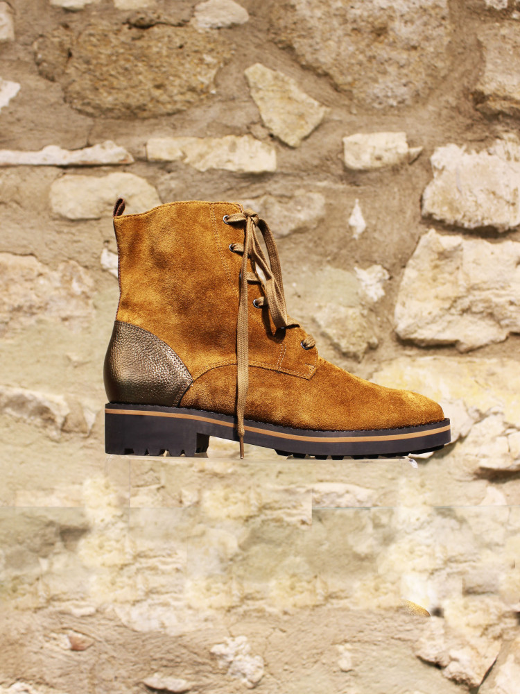 Boots a lacets camel