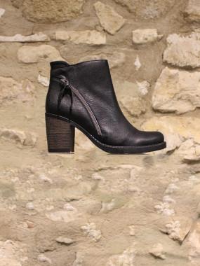 Boots noir à talon