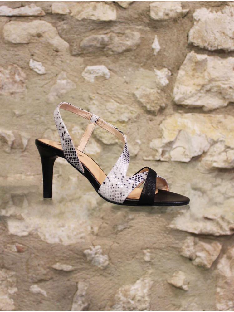 Elégant nu pieds noir