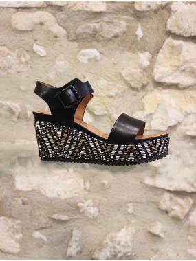 Sandale compensée en cuir noir
