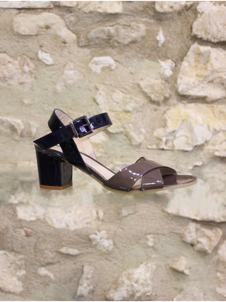 L'incontournable sandale à talon